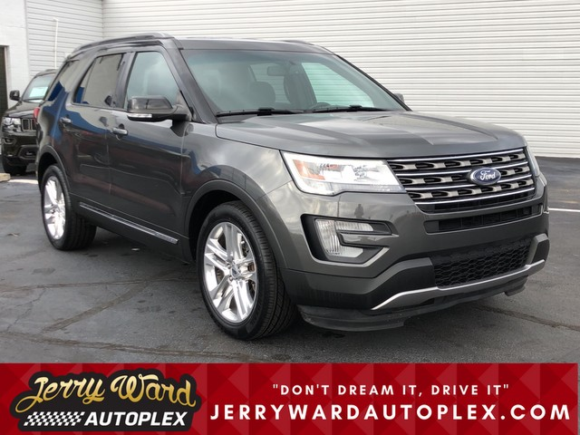Pre-Owned 2017 Ford Explorer 2WD XLT