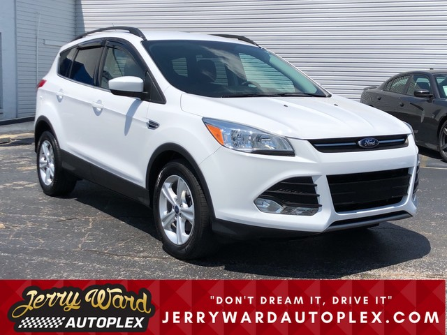 Pre-Owned 2016 Ford Escape FWD SE