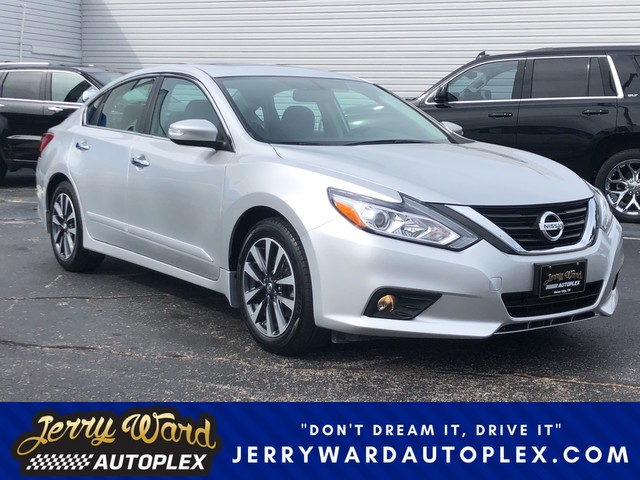 ... Front Wheel Drive Sedan. Pre Owned 2016 Nissan Altima 2.5 SV
