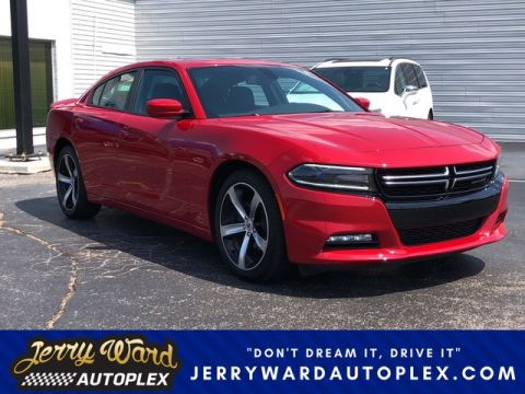 Pre-Owned 2017 Dodge Charger SXT w/ V6 Appearance Package