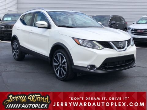 Pre-Owned 2017 Nissan Rogue Sport FWD SL Platinum