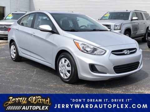 Pre-Owned 2016 Hyundai Accent SE Front Wheel Drive Sedan