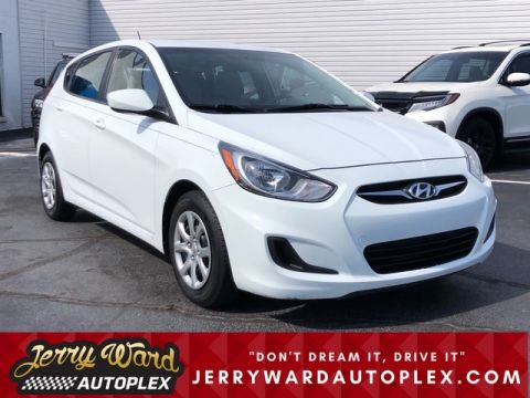 Pre-Owned 2013 Hyundai Accent Hatchback GS